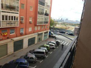 Venta de piso en Alicante en la zona deBenalua con vistas al mar