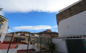 Venta de casa en el centro de Alicante con vista de Santa Bárbara