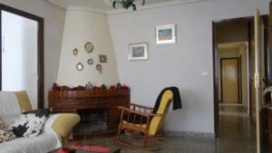 Продается просторная квартира с камином в Аликанте в районе Campoamor